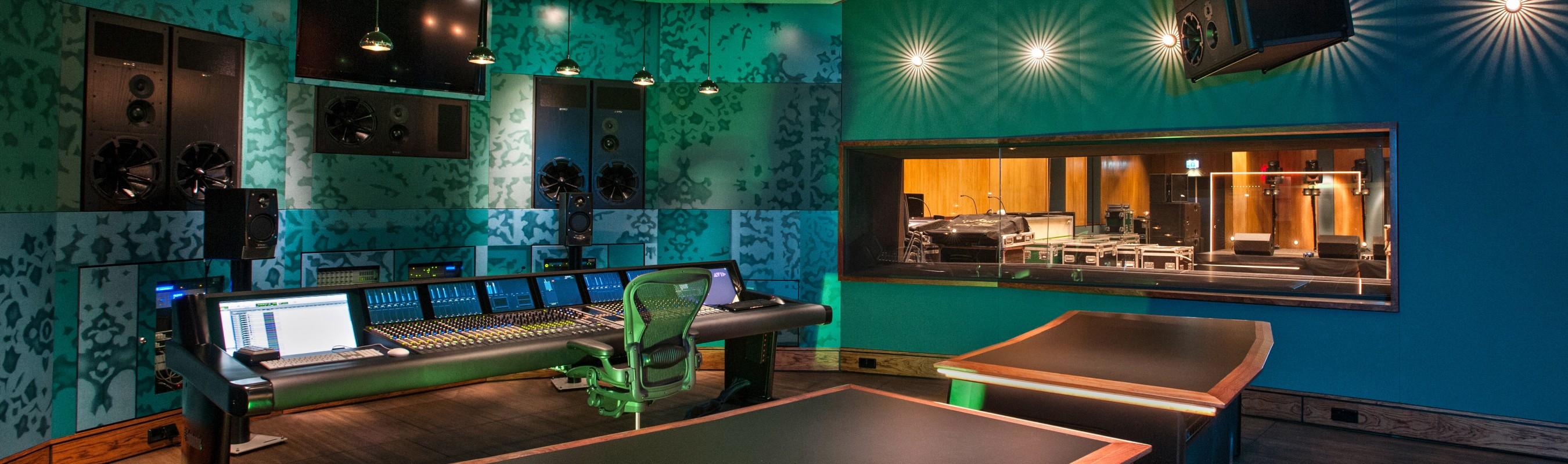 Rock'n Rolle Wijn presentatie bij de Wisseloord Studio's in Hilversum.